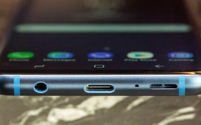 De koptelefoonaansluiting van de Samsung Galaxy S9 en S9+